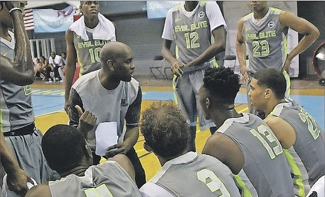 NBA LEGEND Gary Payton coached one of the teams in last year's event. Photo: 10thyearseniors.com