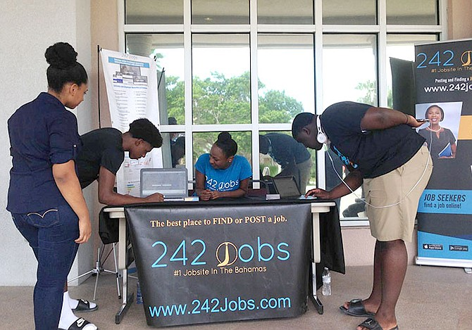 UB students signing up for www.242jobs.com.