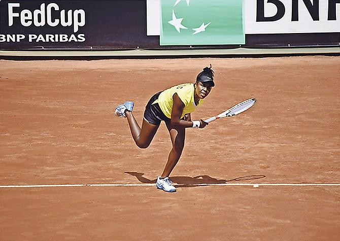 Danielle Thompson in action at the Tennis Club Las Terrazas in Miraflores, Lima, Peru.