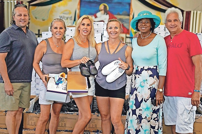 Cynthia 'Mother' Pratt along with Women Supporting Women Ministry donate to Hurricane Dorian survivors. Photo: Terrel W. Carey Sr/Tribune Staff