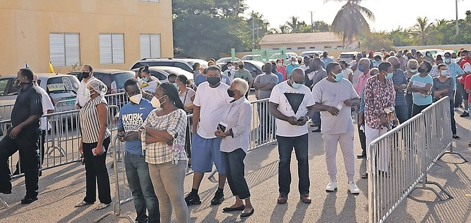 LONG lines at Doris Johnson Senior High School advanced poll. Photo: Donovan McIntosh/Tribune Staff