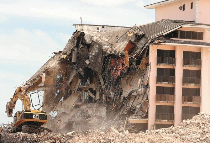 Nau Beach Hotel Demolished The Tribune